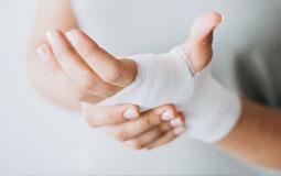 Kleine Grafik zum Thema Gesundheit mit einer bandagierten Hand