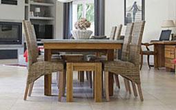 Kleine Grafik zum Thema Esszimmer - Tischgruppe aus Holz