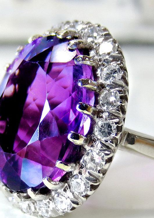 Silberring mit violettem Schmuckstein Amethyst