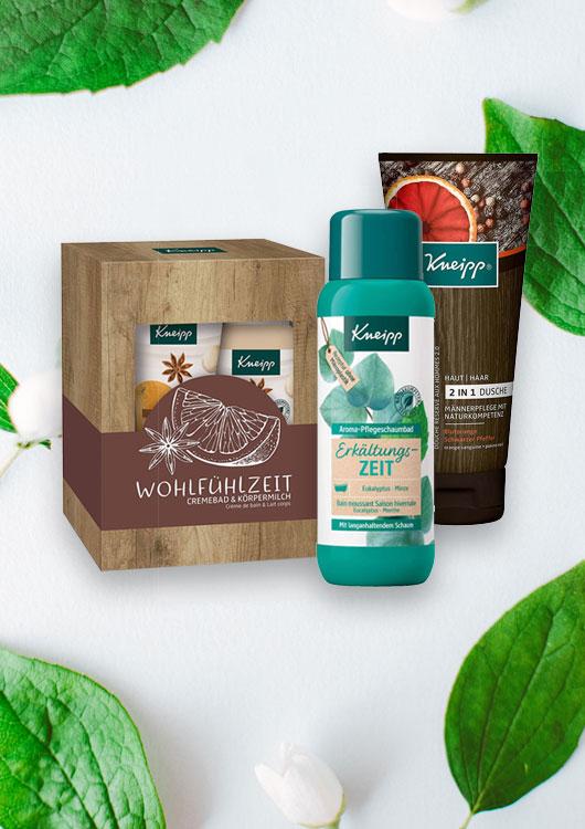 Vibes-Kachel zum Thema Pflegeprodukte mit Pfefferminzblättern im Hintergrund und Kneipp Produkten im Vordergrund